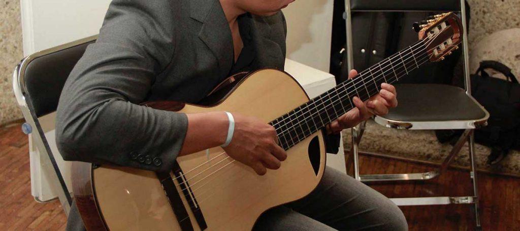 guitarra-acustica-alianza-francesa